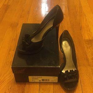 Carlos Santana heels 7 1/2 Black